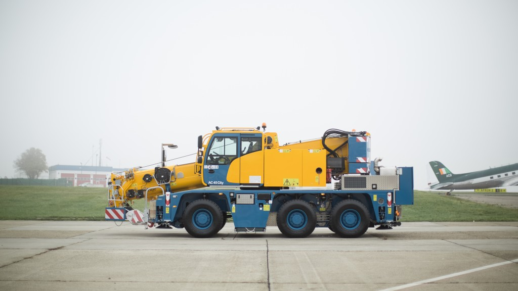 Demag AC 45 City crane designed for use in confined spaces