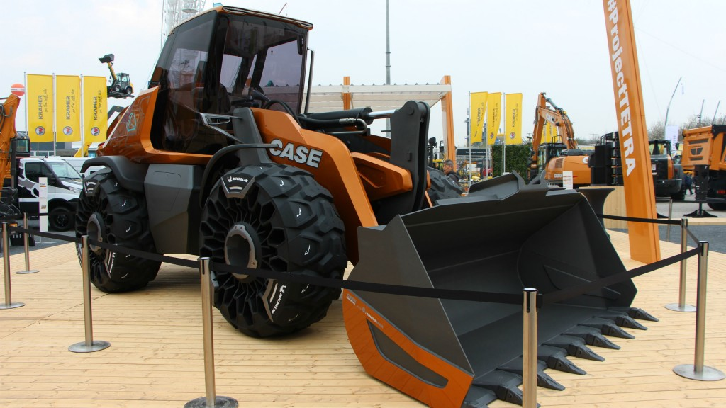 Case unveils Project TETRA at bauma – concept wheel loader powered by FPT Industrial methane gas engine