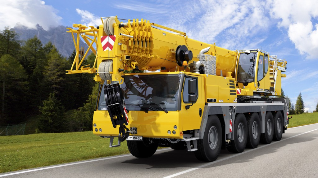 Liebherr unveils the five-axle LTM 1110-5.1 at the Bauma.