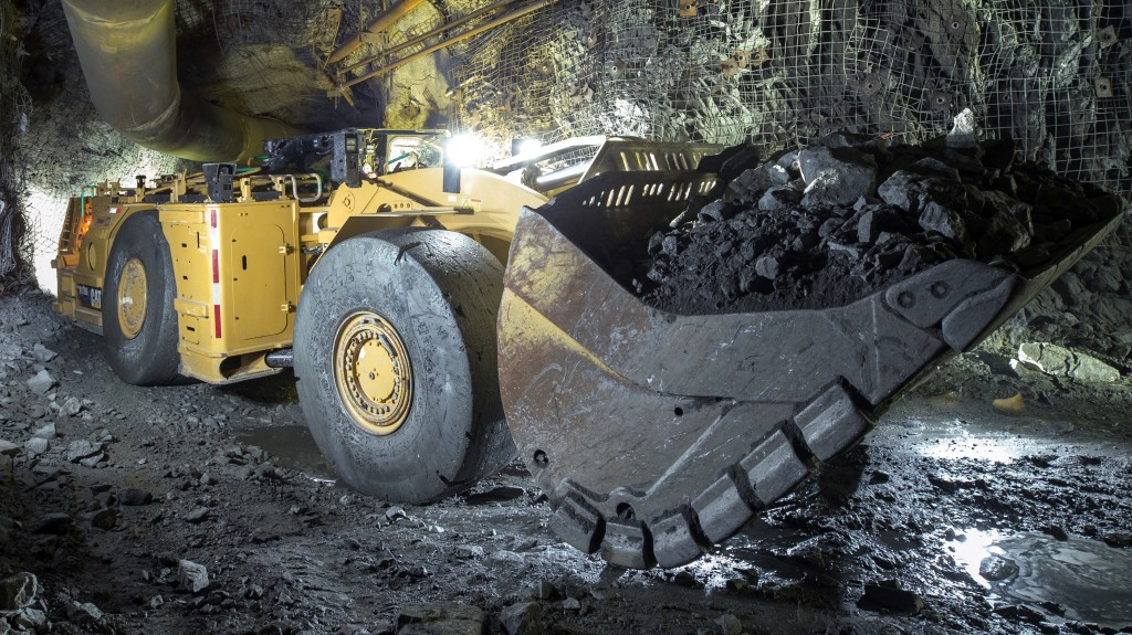 The R1700 XE will combine these new features with a lithium-ion battery operating and charging system developed by Caterpillar.