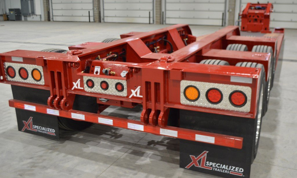 XL Specialized Trailers introduces low deck height hydraulic detachable gooseneck trailer