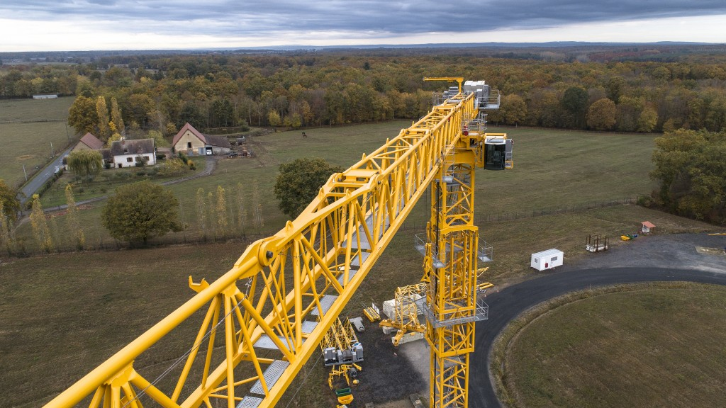 New Potain MDT 809 is the largest topless crane ever produced by Manitowoc.