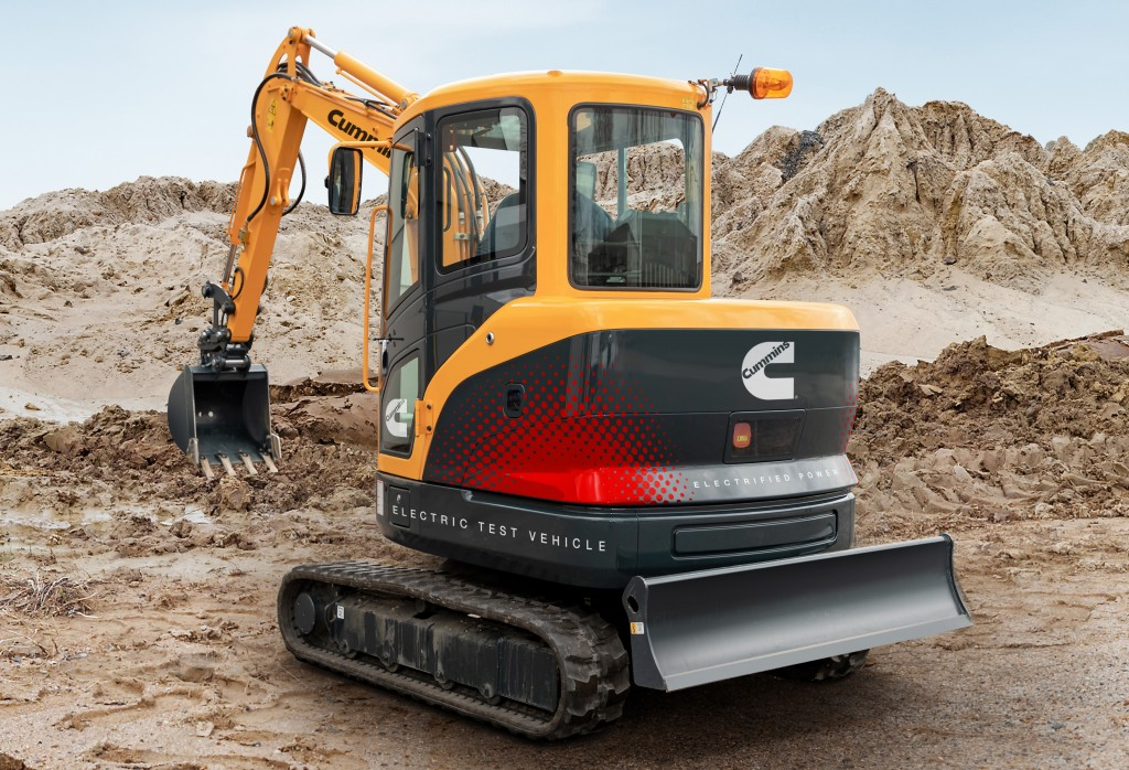 Powered by Cummins BM4.4E flexible battery modules (4.4 kWh each), the 3.5-ton excavator prototype is designed to support a full work shift and charge in under three hours.