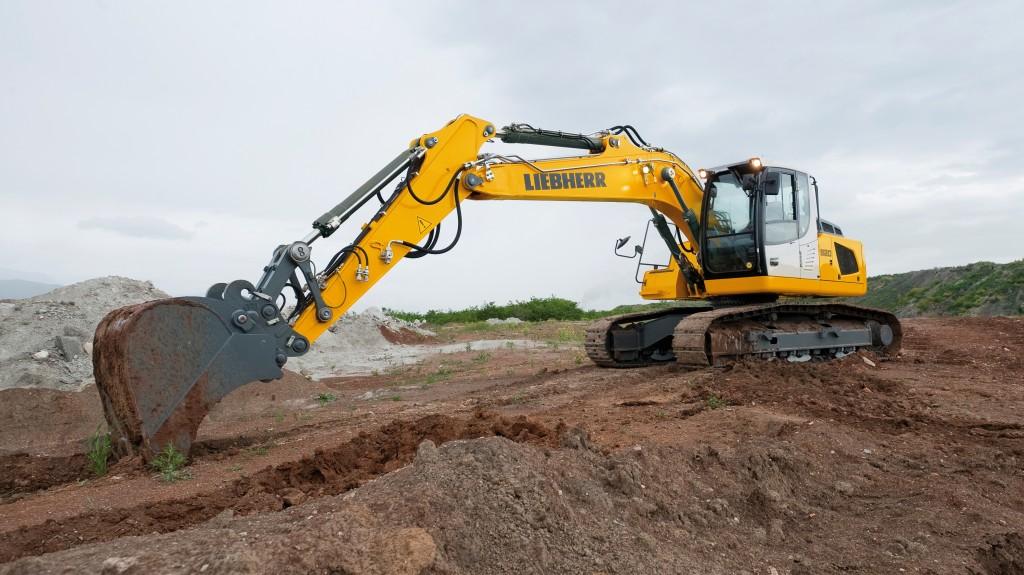 A Liebherr R 920 crawler excavator.
