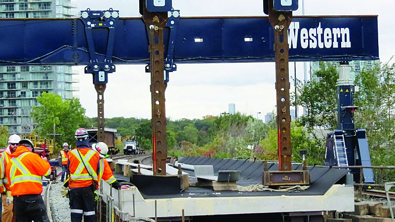 Enerpac gantry system gives GO Transit bridge work a lift