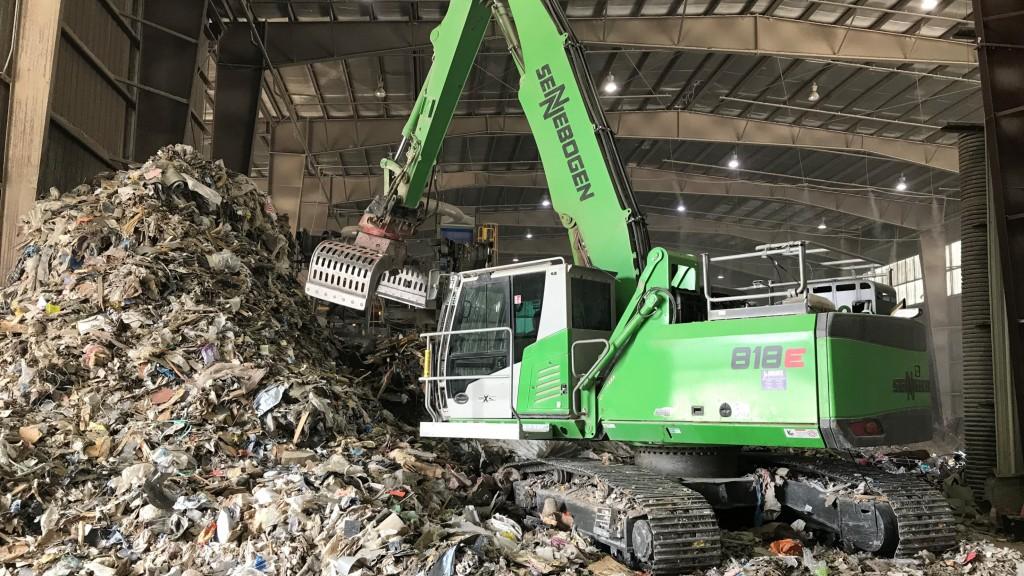 "Sennebogen 818 material handlers ensure uptime for ""LEEDING"" C&D recycler"