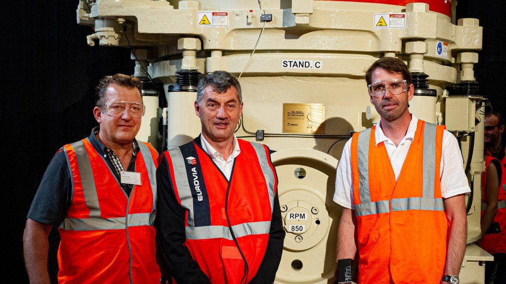 Eurovia, a subsidiary of the VINCI Group, received the 10,000th HP cone crusher today at Mâcon. From left Vincent Follet, Didier Thevenard and Eric Guelton.