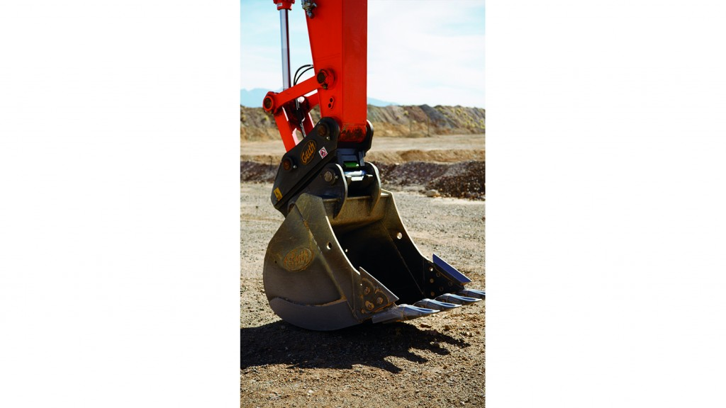 Make light work of demanding conditions with Geith heavy-duty buckets