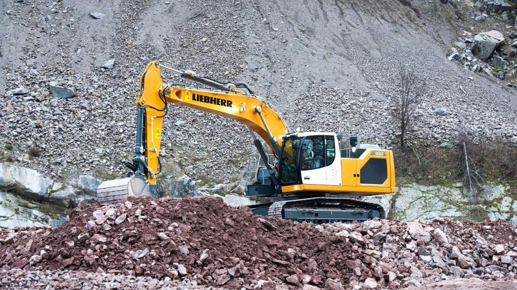 0163/40560_en_49a4c_43160_liebherr-crawler-excavator-r-926-stage.jpg