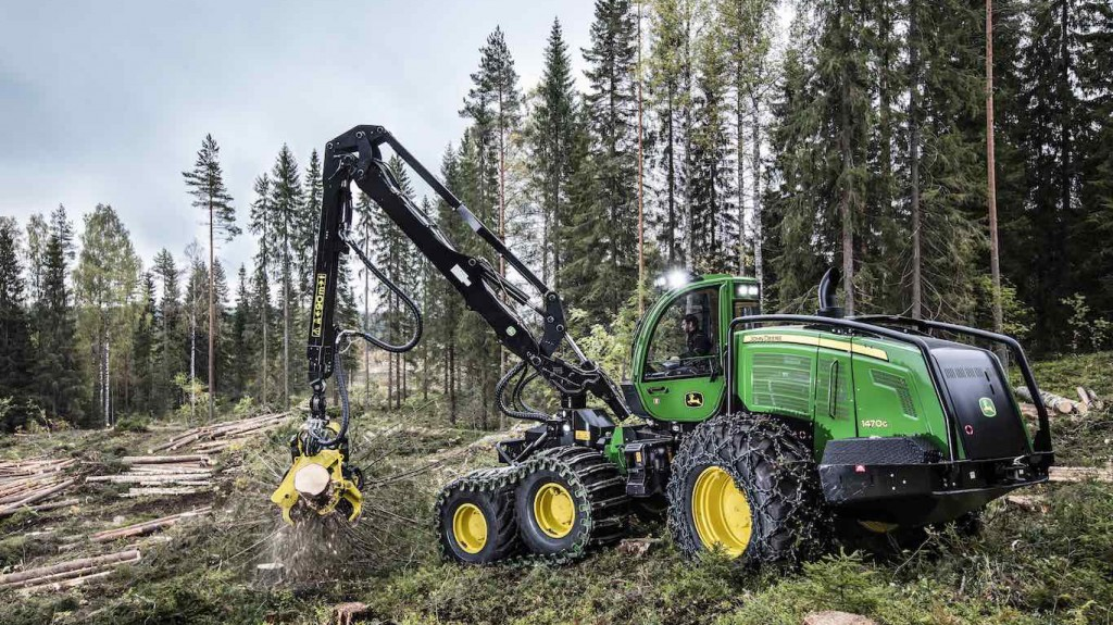 Grapple trees with greater accuracy with John Deere's Intelligent Boom Control for forestry harvesters
