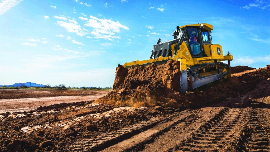 Pushing precision: an in-depth report on dozers - Heavy