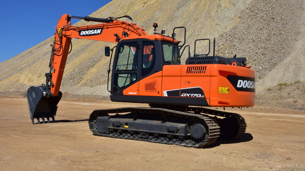 This new Doosan® excavator size allows for easier transportation, especially for small- to mid-size contractors who perform light excavation projects, such as digging residential basements or commercial building footings.