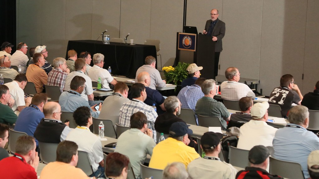 man teaches a class at conexpo-conagg