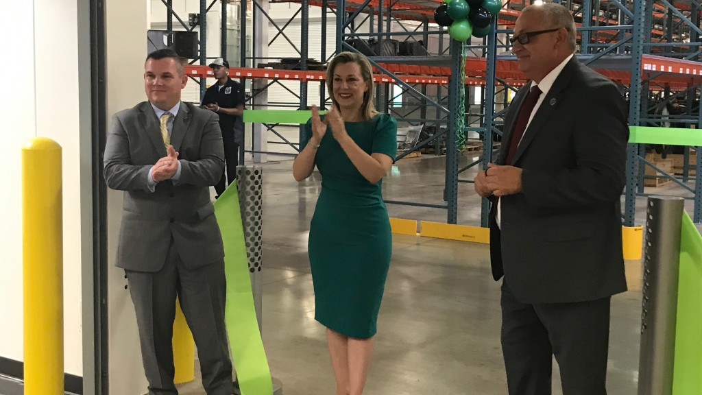 Pictured from L-R: Darin Redmon, director of operations, DEX Heavy Duty Parts, Kendra Horn, U.S. Representative for Oklahoma's 5th congressional district, and Frank Querry, plant manager, DEX Heavy Duty Parts, Oklahoma City.