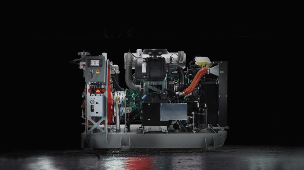 First Volvo ECR25 Electric delivered for customer testing - interview with Elodie Guyot.