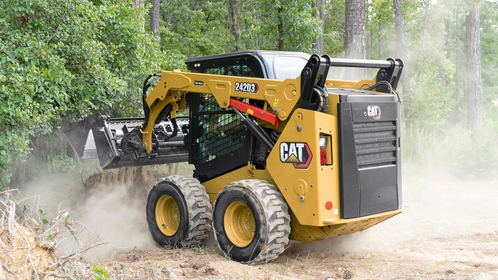 Entering and exiting the new D3 Series loaders equipped with an enclosed cab is now easier thanks to a wider opening cab door.