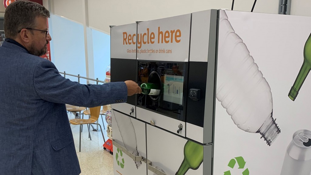The Sainsbury's trial is taking place in conjunction with reverse vending experts TOMRA Collection Solutions UK and Ireland, using a machine known as the T-70 Dual.