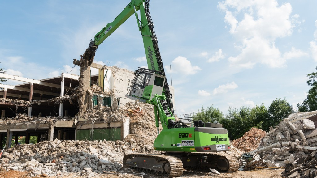 The SENNEBOGEN 830 E demolishing an old furniture store in record time after it stood empty for 10 years.