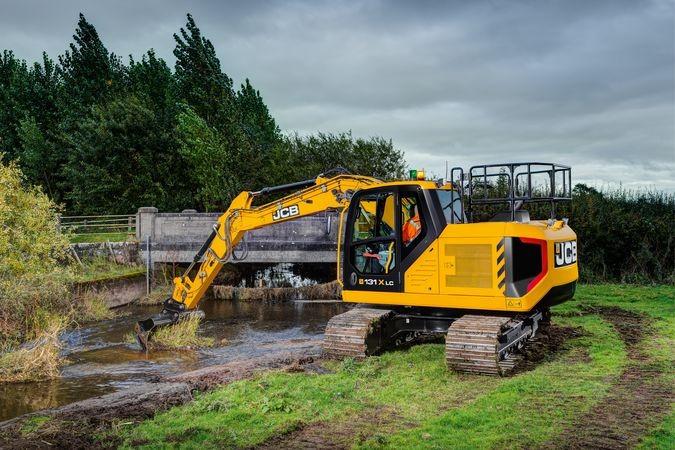 JCB - 131X Excavators