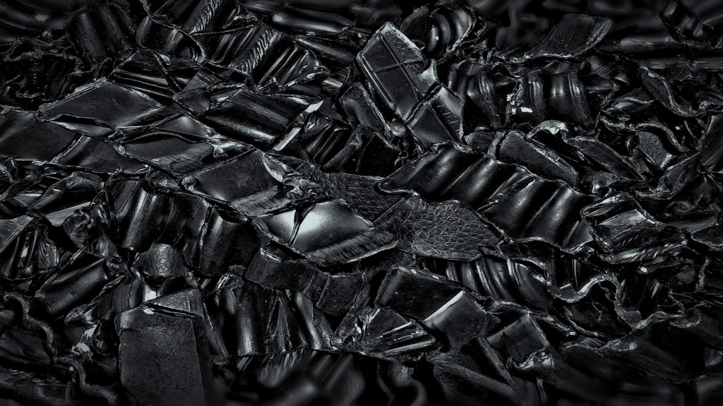 If the material to be sorted contains a mix of black plastics, it can be separated into pure-grade polymer fractions.
