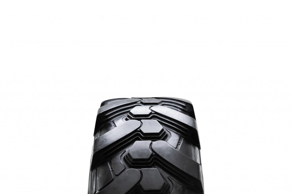 Camso - BHL 732 Tires