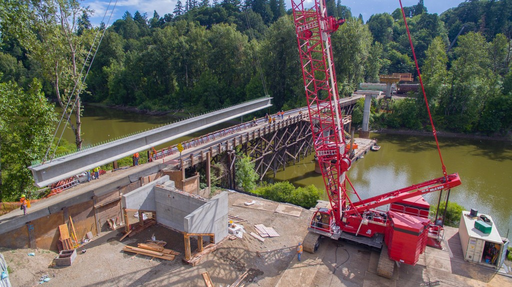 Washington State bridge goes up in shorter span thanks to Manitowoc MLC300