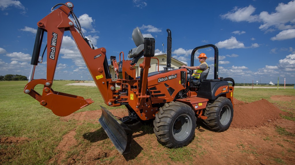 The RT80 trencher features a compact design that makes it ideal for heavy-duty trenching, vibratory plowing and microtrenching in confined urban and residential areas, where larger machines can't maneuver as freely.