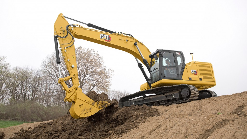 Cat excavator at work