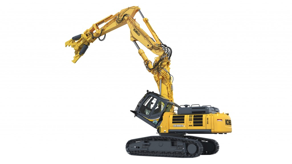 The new KOBELCO SK400D and SK550D building demolition machines feature a 30-degree tilting cab.