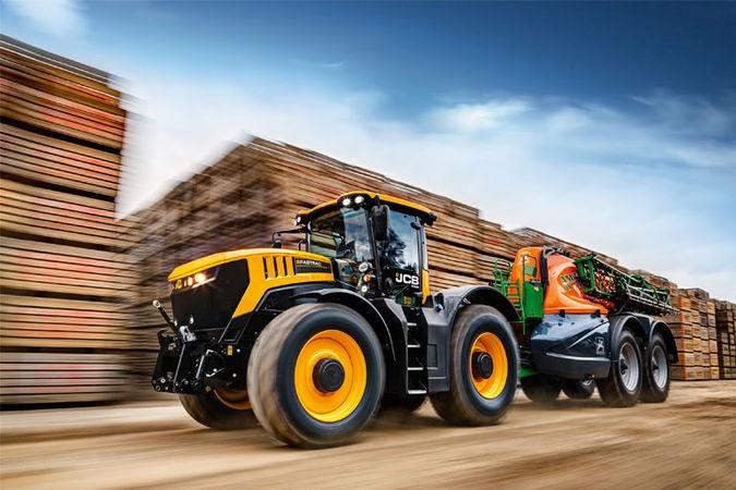 JCB - Fastrac 8330 Tractors