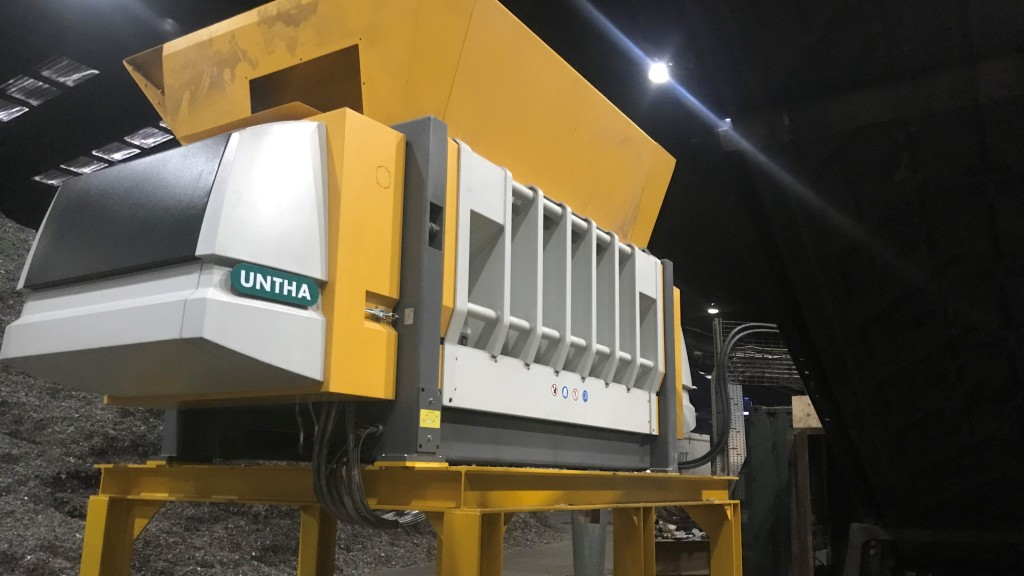 UNTHA XR3000XC at work at Lancashire Waste Recycling