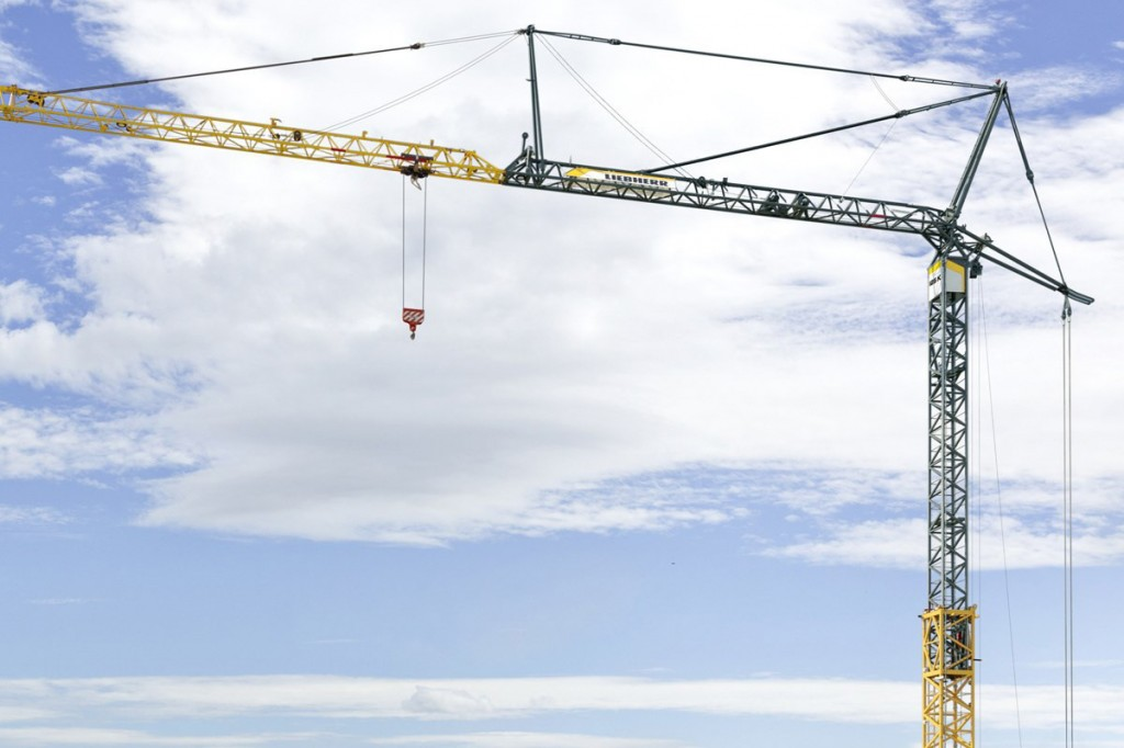 Liebherr Canada - 125 K Self Erecting Cranes