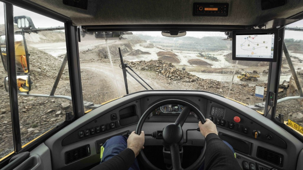 Volvo Haul Assist adds map feature to help monitor job site traffic