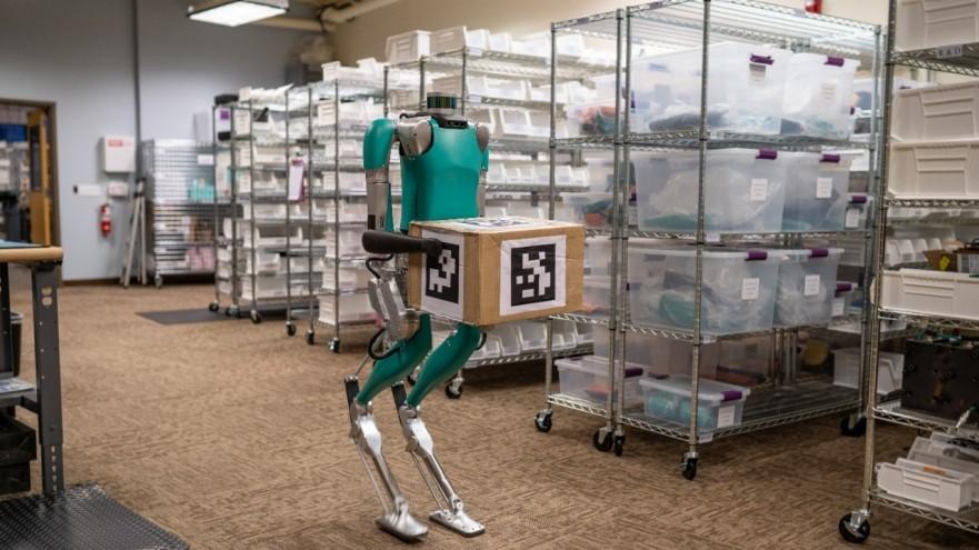 robot carries box