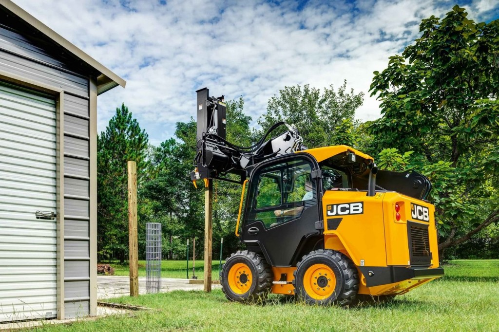 JCB - 270 Skid-Steer Loaders