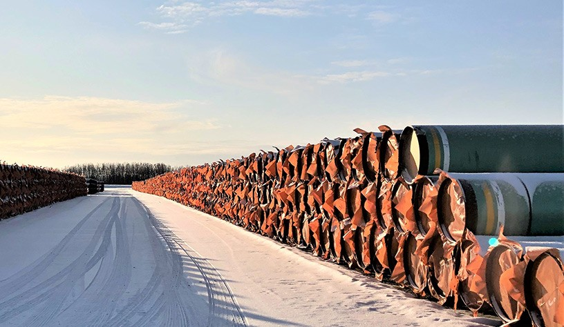 pipes lined up for pipeline production