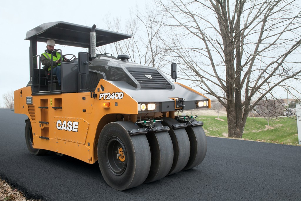 CASE Construction Equipment - PT240D Pneumatic Tire Rollers