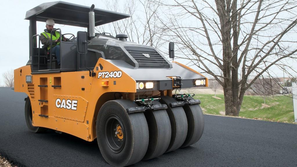 Case PT240D pneumatic tire roller