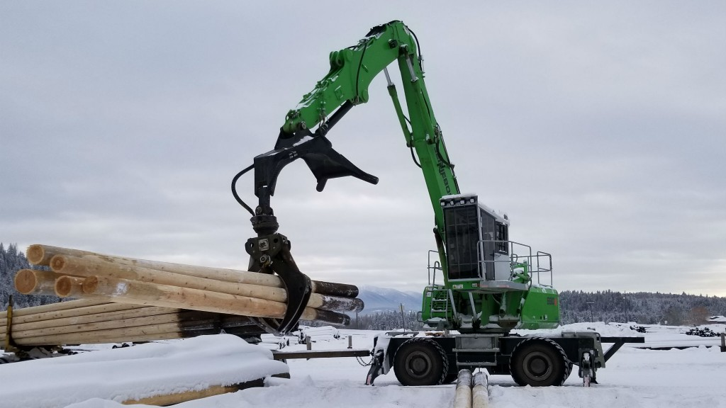 Sennebogen log handler lifts uptime for Stella-Jones