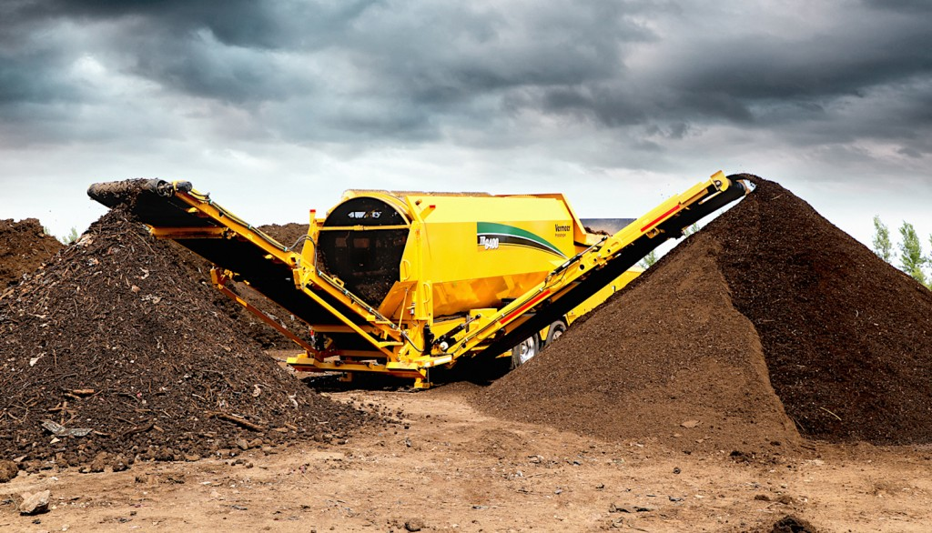 Vermeer's new TR6400 model trommel features a drum designed for quick exchange with a side door that gives complete access to the drum body from the ground.