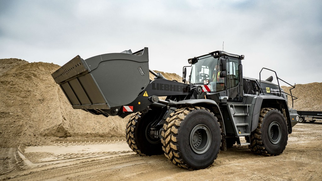 Guggenberger purchases custom anthracite-black Liebherr wheel loaders