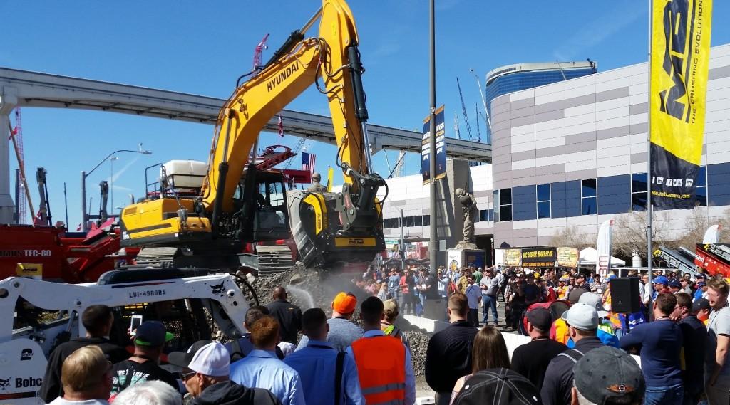 MB crusher machine at conexpo