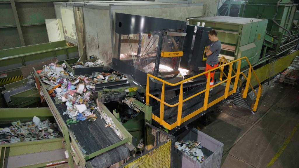 Van Dyk Robb AQC robotic sorter at MRF