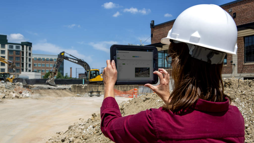 Eight benefits driving contractors toward cloud-based software options