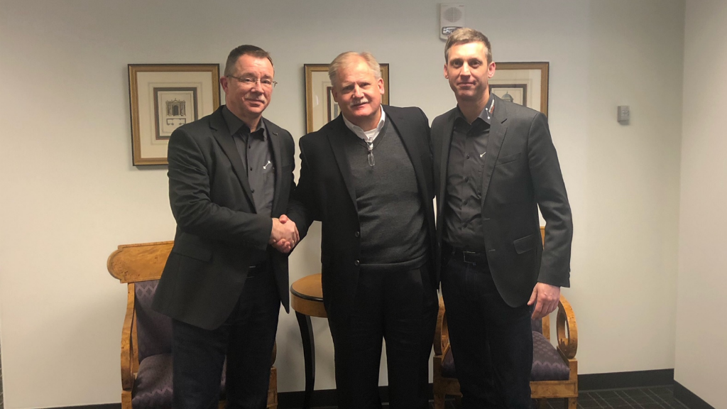 From left, Rolf Kulawik, Ebbe Christensen and Uwe Strotmann agreed to the acquisition.