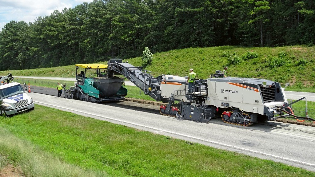 the Wirtgen tracked recycler W 380 CRi on a road