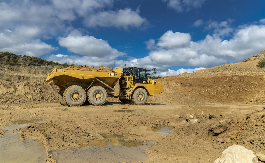 The new Cat 725 articulated truck