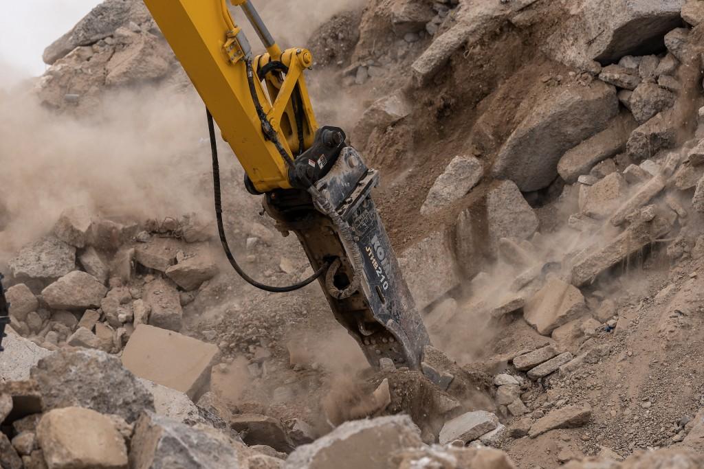 Komatsu introduces range of hydraulic rock breakers to North American market