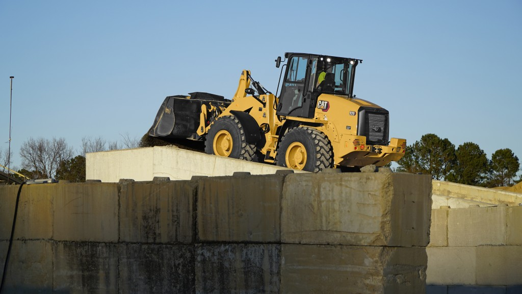 The Cat 920 compact wheel loader