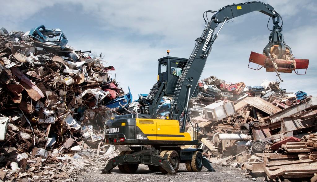 Hyundai wheeled material handler at scrapyard